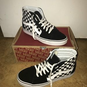 UNISEX HIGHTOP CHECKERBOARD VANS